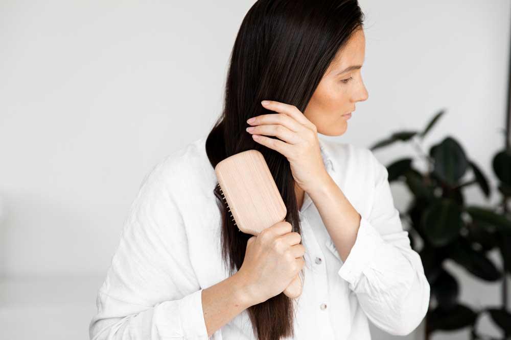 شانه زدن به مو در دوران بارداری