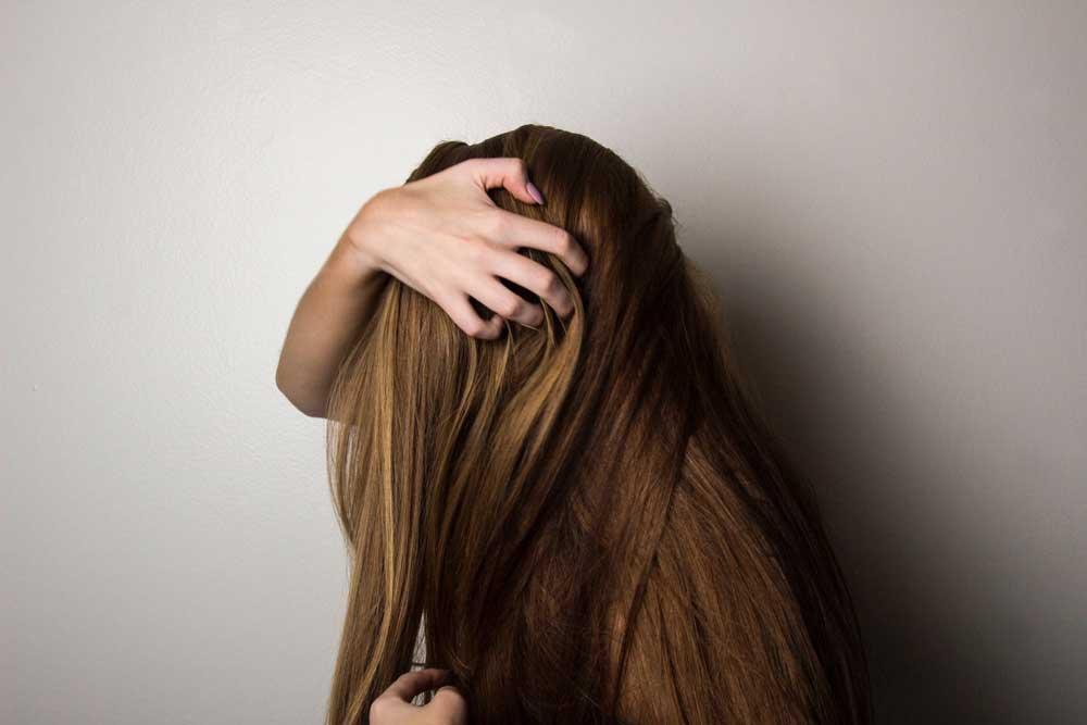 دلیل ریزش مو چیست؟