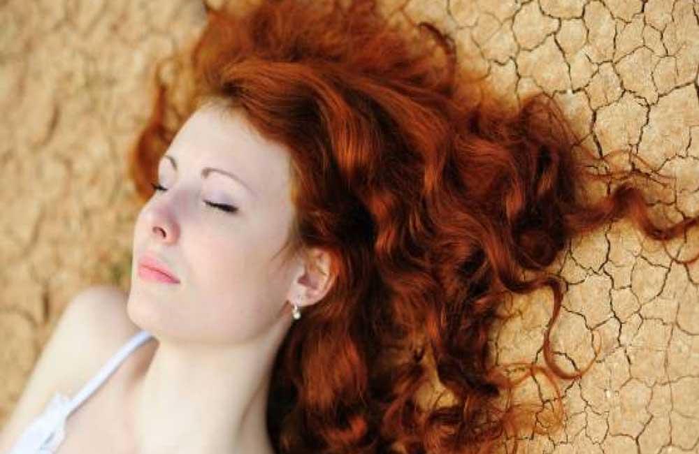 طریقه رنگ کردن مو با حنا