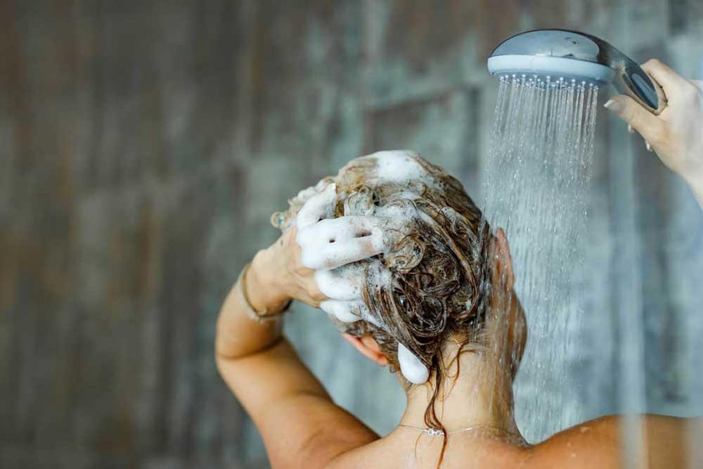 تاثیر سختی آب بر مو