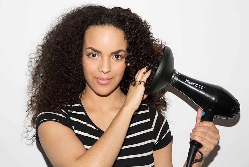خشک کردن مو ی فر