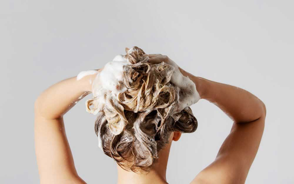 ترمیم موهای خشک و وز