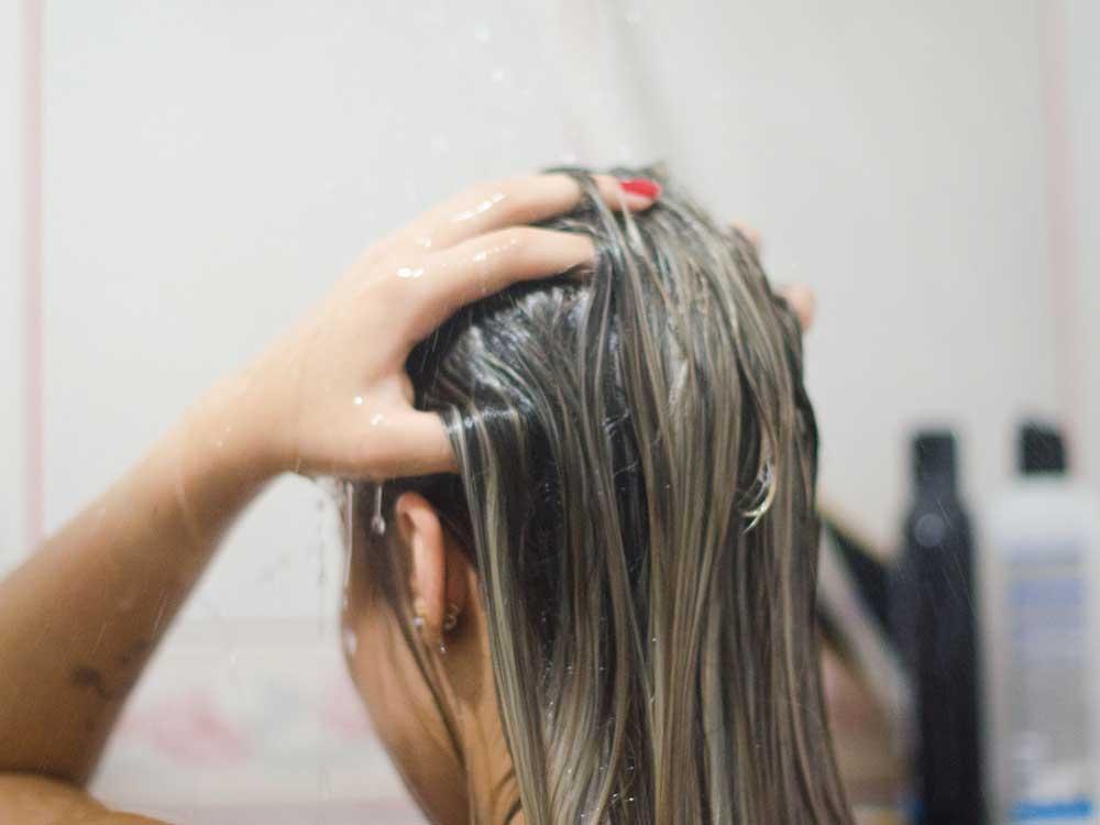 شستن موی آسیب دیده