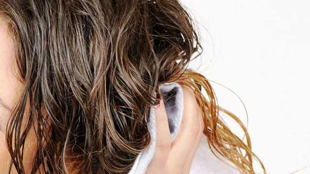 پاک کردن وازلین از موها