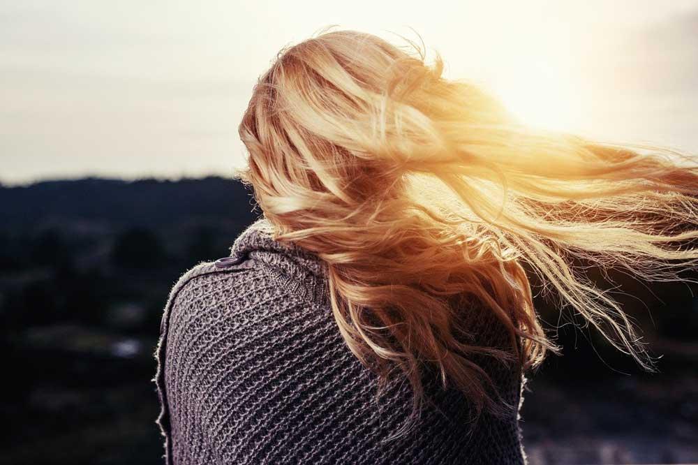 اثرات نور فرابنفش بر موی سر