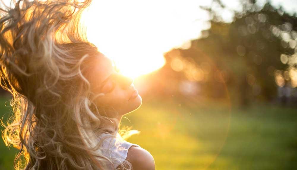 تاثیر نور خورشید بر مو