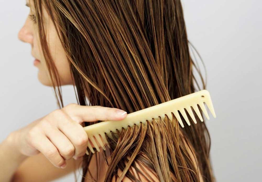 شانه زدن به موی رنگ شده