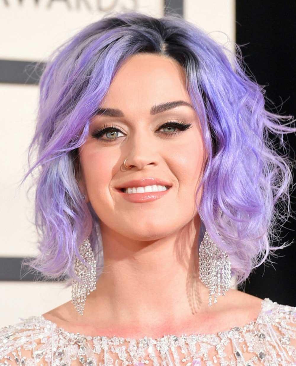 رنگ موی آبی روشن