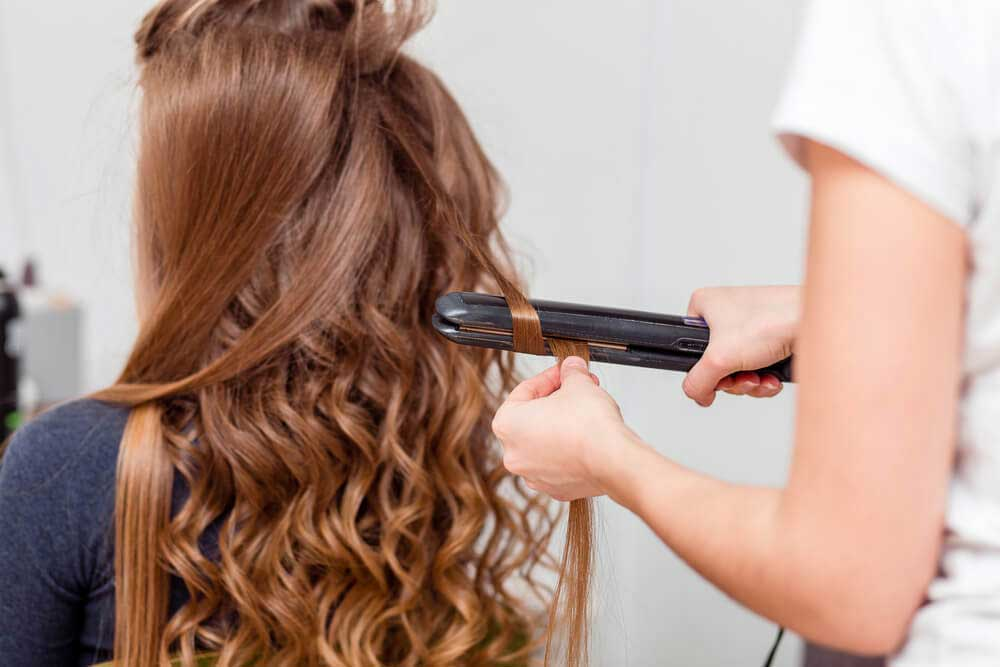 حالت دادن موها با اتوی مو
