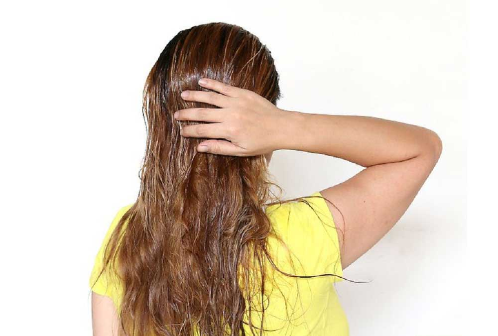 آبرسانی و حفظ رطوبت موها