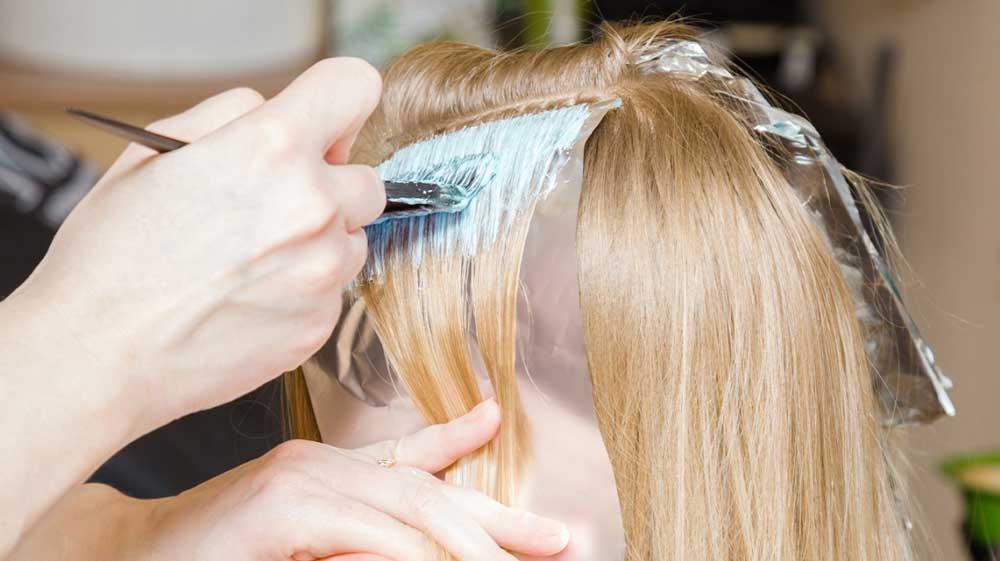 تقویت و درمان موی دکلره شده