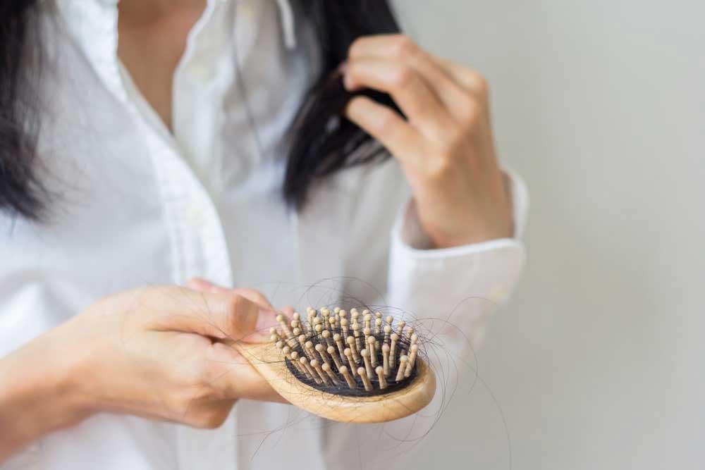 دلایل ریزش مو در خانم های جوان