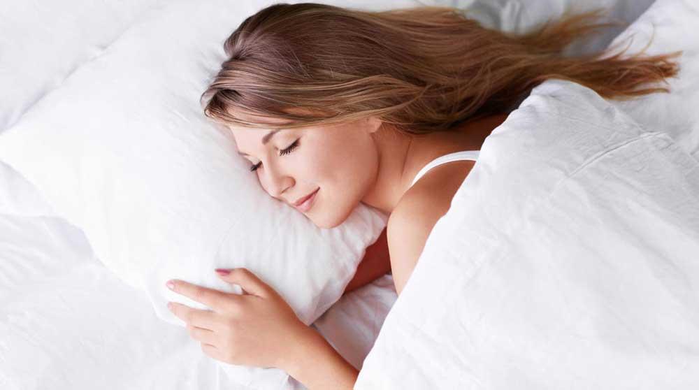 روش های مراقبت از موها در خواب