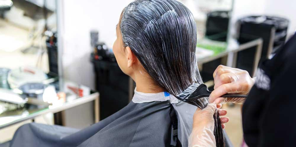 نحوه رنگ کردن مو در بارداری