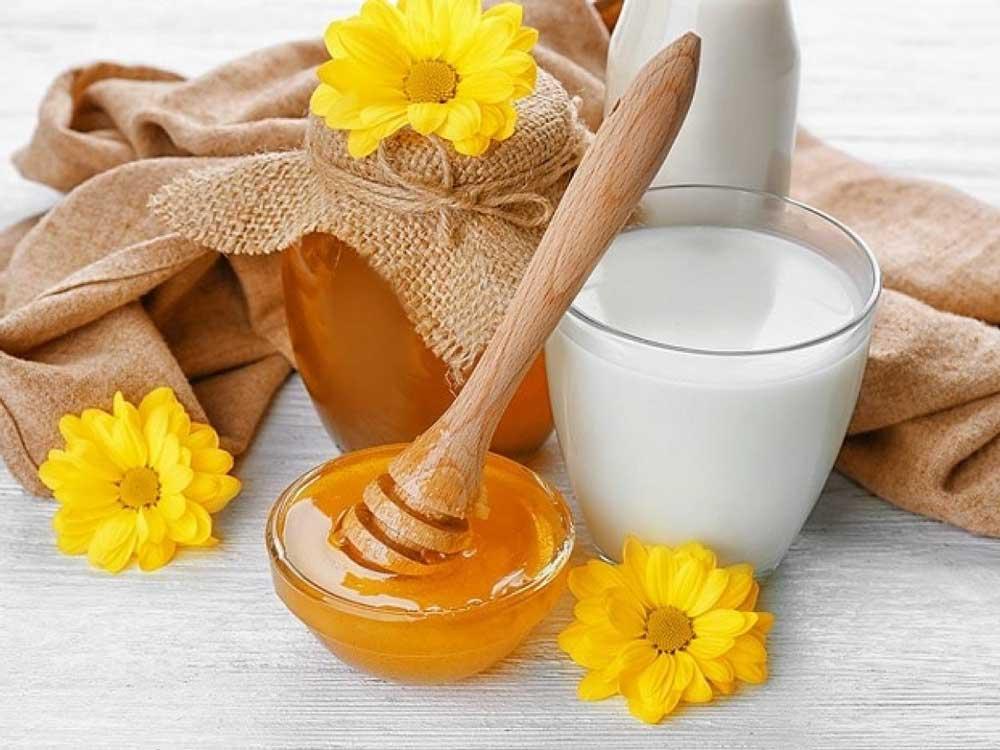 ماسک موی شیر و عسل