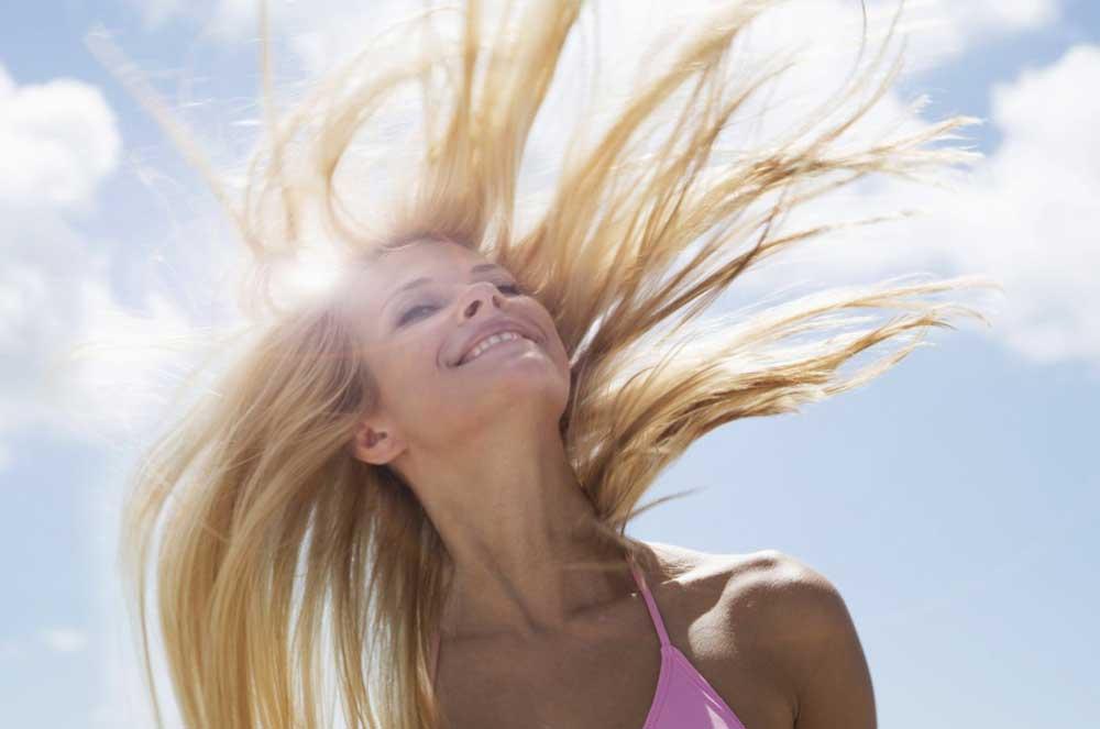 تابش آفتاب روی موها