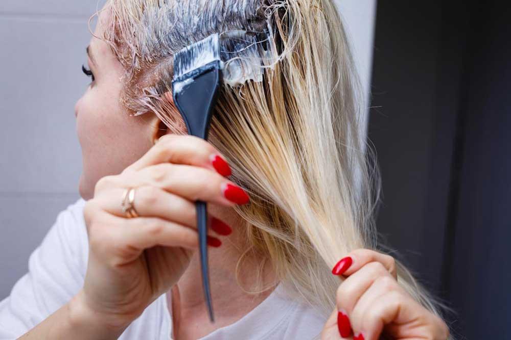 خطرات رنگ کردن موها