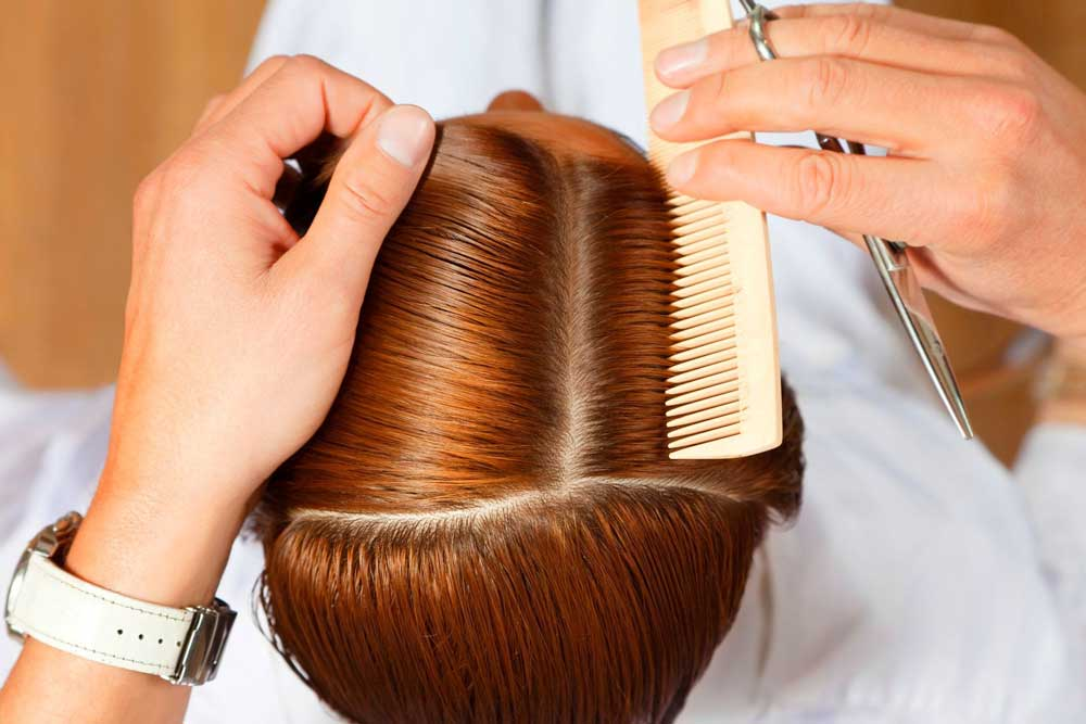 ریزش مو در موقع شانه زدن
