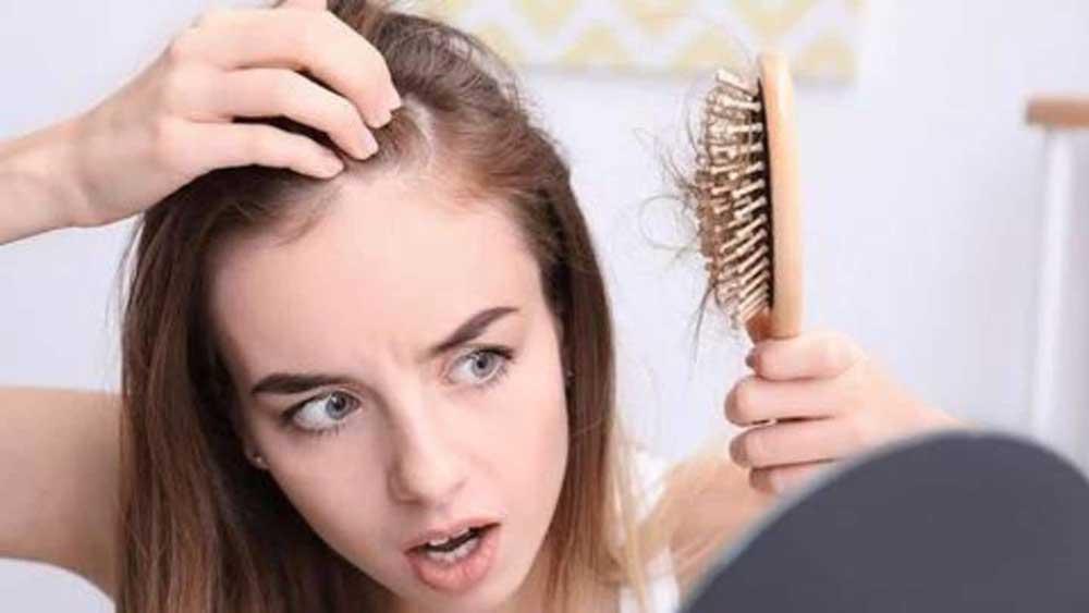 چرا موها می ریزد؟
